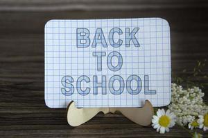 signo de regreso a la escuela foto