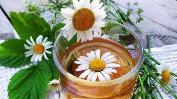 manzanilla y té de manzanilla foto