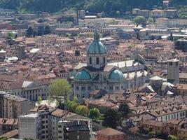 iglesia catedral en como foto
