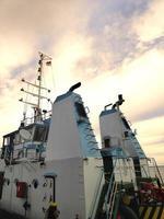 la chimenea de un barco foto