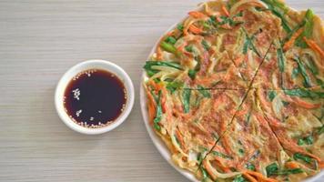 pajeon eller koreansk pizza eller koreansk pannkaka video