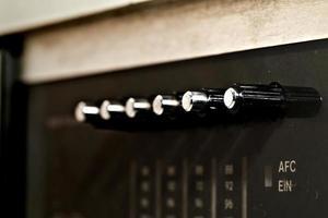 El antiguo botón de búsqueda de radiofrecuencia alemana. foto