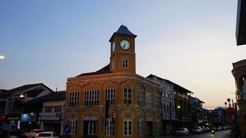 Time-lapse vieille ville de phuket en thaïlande video