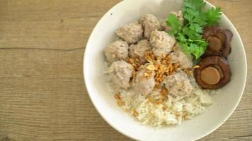 Boiled Rice with Pork Balls video