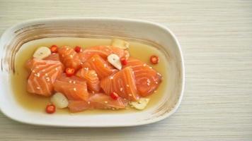 saumon mariné à la sauce soja - style coréen video