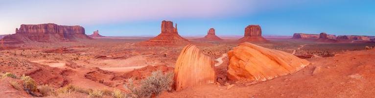 el paisaje natural único del valle del monumento en utah foto
