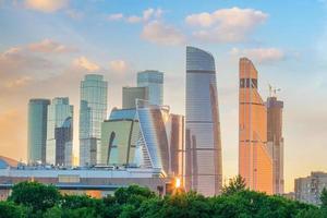 distrito de negocios del horizonte de la ciudad de moscú en rusia foto