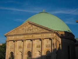 Catedral católica de St Hedwigs en Berlín. foto