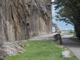 antiguo arco de la calzada romana en donnas foto