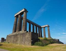 Monumento Nacional en Calton Hill en Edimburgo foto