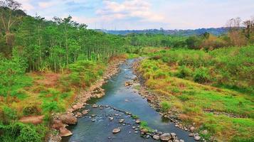 paisaje natural del río en el sudeste asiático foto