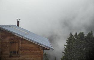 casa de la meseta, vista de la casa de madera, casa de madera alanda de madera foto