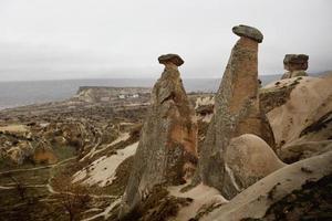 piedras naturales resultantes de la explosión volcánica foto