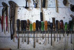 un concepto industrial herramientas de equipo de reparación foto