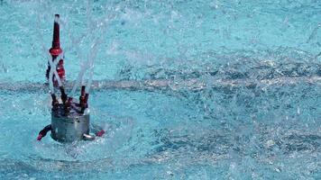 fontän i en vattenpool video