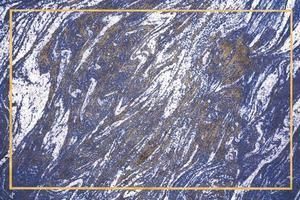 borde de oro mineral azul oscuro y mármol de granito blanco foto