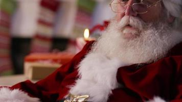 jultomten säger shhh video