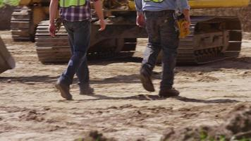 Construction workers get ready to work video