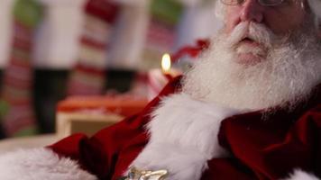 närbild porträtt av jultomten video
