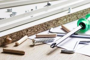 herramientas para el montaje de muebles foto