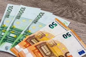 banknotes of 50 and 100 euros photo