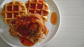 pollo frito con waffles video