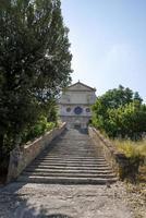 pasos a la iglesia de san pietro foto