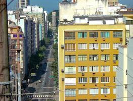 Barrio de Copacabana visto desde la colina del pavo real en Río de Janeiro. foto