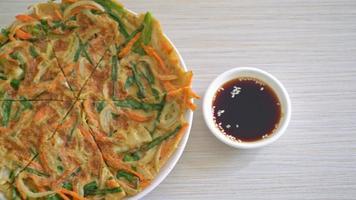 Korean pizza or Korean pancake or Pajeon video