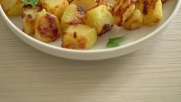 Roasted potatoes on plate video