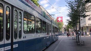Bahnhofstrasse, Einkaufsstraße in Zürich, Schweiz video