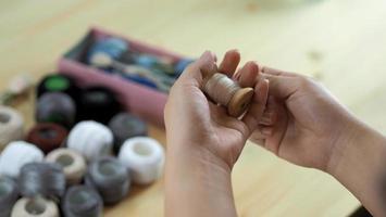bordar cosiendo a mano foto