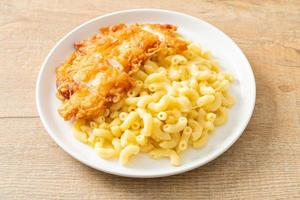 Mac and cheese with fried chicken photo