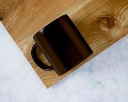 maqueta de taza de café negro foto