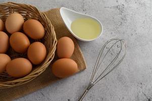 huevos para preparar comida para cocinar foto