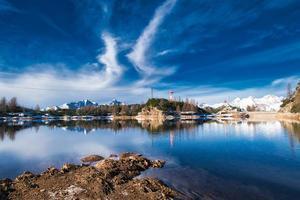 Lago marcio en los alpes orobie en brembana velley foto