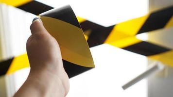cinta amarilla coronavirus quédate en casa foto