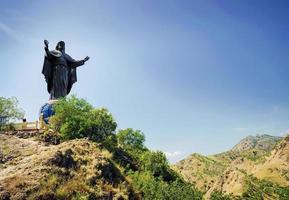 cristo rei, jesús, estatua, señal, en, dili, timor oriental, leste foto