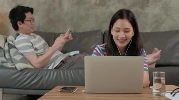 entreprise familiale, commerce électronique et travail à domicile en covid-19 video