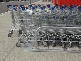 carritos de supermercado foto