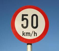 senal de limite de velocidad foto