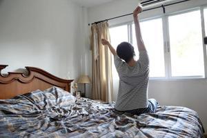 despierta por la mañana foto