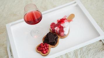 desayuno para novia. mañana del día de san valentín. foto