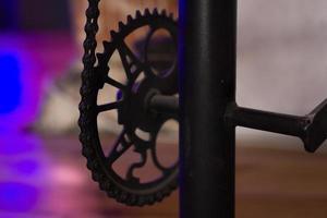 maquinaria accionada por engranajes de cadena. cadena y engranajes foto