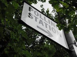 colegio electoral en londres foto