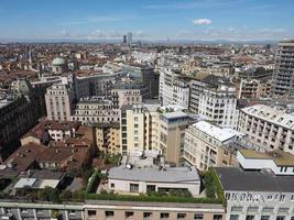 Vista aérea de Milán, Italia foto