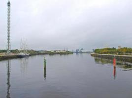 río clyde en glasgow foto
