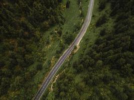 la hermosa vista del paisaje de montaña foto