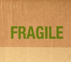 cartón ondulado frágil foto