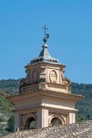 campanario del convento spello clarisse foto